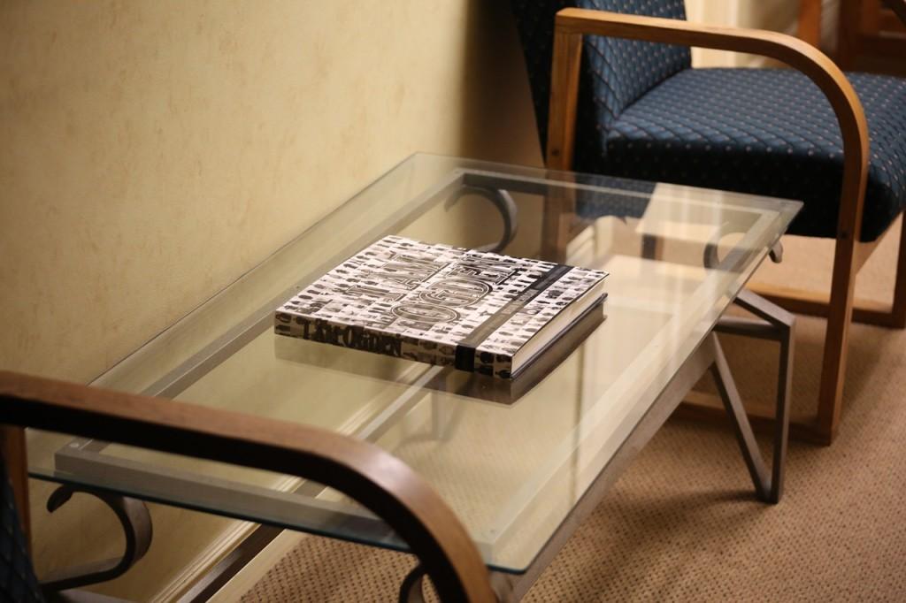 Mesas de centro para tu oficina la mesa de centro for Mesas para oficina