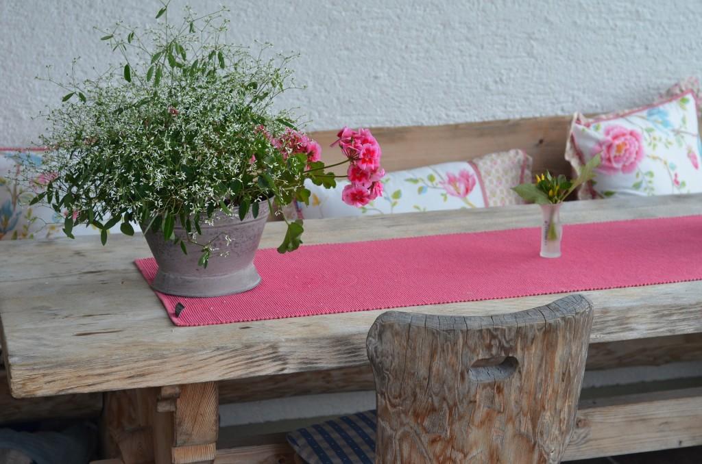 decoracion salon en rosa - la mesa de centro