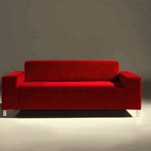 Sofá de diseño color rojo, posiblidad de elegir otros colores y acabados